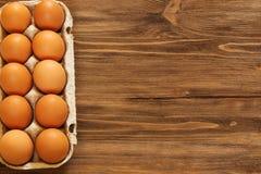 Eieren in een dienblad Royalty-vrije Stock Foto's