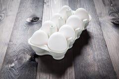 Eieren in een eggbox Royalty-vrije Stock Afbeeldingen
