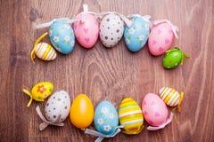 Eieren, koekoeksbloem en gestreepte doek Royalty-vrije Stock Afbeelding