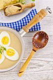 Eieren in mosterdsaus Stock Fotografie