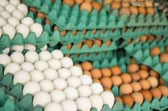 Eieren op de markt Royalty-vrije Stock Afbeeldingen