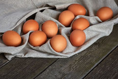 Eieren op de uitstekende lijst Royalty-vrije Stock Afbeelding