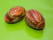 Eieren op lijst Stock Afbeeldingen
