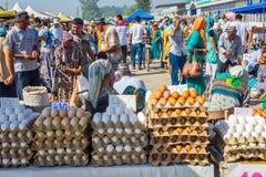 Eieren voor verkoop bij Kumtepa-bazaar Stock Fotografie
