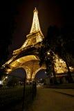 Eifel Kontrollturm in der Sommernacht Lizenzfreie Stockfotos
