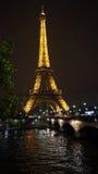 Eifel Kontrollturm nachts Lizenzfreies Stockbild