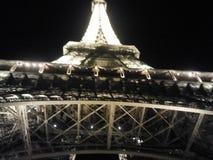 Eifel-Turm-Nacht-Paris-Lichter Lizenzfreies Stockfoto