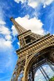 Eiffel-Ausflug- oder -turmmarkstein. Weitwinkelansicht. Paris, Frankreich Lizenzfreie Stockbilder