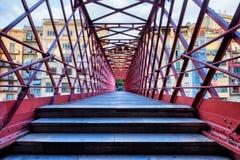Eiffel-Brücke in der Stadt von Girona Stockfotos