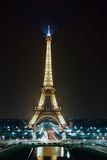 eiffel nattparis torn Royaltyfria Foton