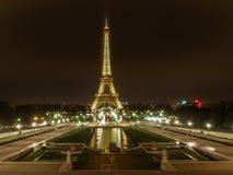 Eiffel nocą Obrazy Royalty Free