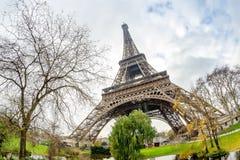 eiffel paris torn Sikt på solnedgången Royaltyfria Bilder