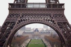 eiffel punktu zwrotnego Paris zwiedzający wieży zdjęcie stock