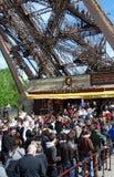 Eiffel a rouvert la tour de grève Photo stock