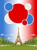 Eiffel står hög i Paris Royaltyfri Fotografi
