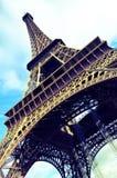 Eiffel står hög Arkivfoton