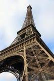 Eiffel står hög - Paris Arkivbild