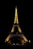 Eiffel torn på natten Arkivbild