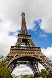 Eiffel Tower against skyline Royalty Free Stock Photography