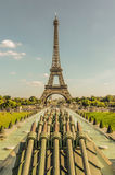 Eiffel tower as seen from gardens of trocadero Royalty Free Stock Photos