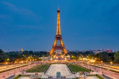 Eiffel Tower at dusk Royalty Free Stock Images