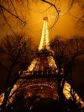 Eiffel tower iluminated at night Royalty Free Stock Photos