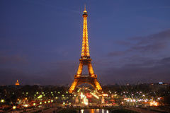 Eiffel Tower by night Royalty Free Stock Photos