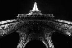 Eiffel tower by night Royalty Free Stock Photo