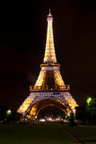 The Eiffel Tower at night Royalty Free Stock Images