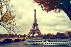 The eiffel tower in paris Royalty Free Stock Photography