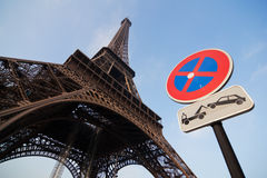 Eiffel Tower and road sign Royalty Free Stock Photos