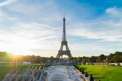 Eiffel turnerar och från Trocadero, Paris Royaltyfria Bilder