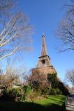 Eiffelen står hög Royaltyfri Fotografi