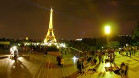Eiffeltorn på natten, paris, Frankrike, timelapse, zoomar in, 4k arkivfilmer