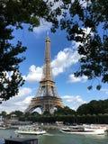 Eiffeltorn Paris och floden Seine Royaltyfria Foton