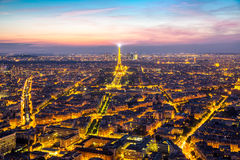 EiffeltornParis skymning Royaltyfri Fotografi