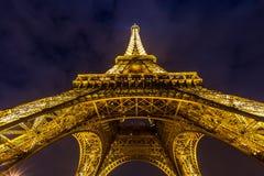 EiffeltornParis skymning Royaltyfri Foto