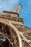 Eiffelturm, Ansicht von unterhalb stockfotografie