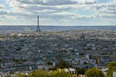 Eiffelturm im Oktober stockfotos