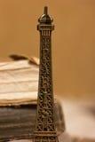 Eiffelturm Keychain lizenzfreie stockfotografie