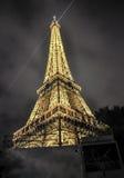 Eiffelturm nachts Stockbilder