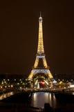 Eiffelturm nachts, Paris lizenzfreies stockbild