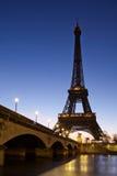 Eiffelturm in Paris stockfotos