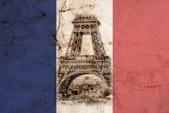 Eiffelturm in Paris Weinleseansichthintergrund Bereisen Sie altes Retrostilfoto Eiffels mit Sprünge zerknittertem Papier stock abbildung