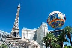 Eiffelturm Restaurant und Montgolfier steigen auf Las Vegas im Ballon auf Lizenzfreie Stockfotos