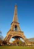 Eiffelturm, Seitenansicht Stockfoto