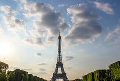Eiffelturm und Champ de Mars, Paris, Frankreich Lizenzfreie Stockfotografie