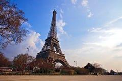 Eiffelturm vom Garten Stockfoto