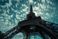 Eiffelturm während des Sommers in Paris, Frankreich Stockfotos