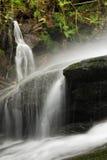 Eifonso在Bembrive附近的河瀑布 免版税库存图片